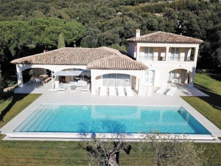 Villa de luxe à vendre CAVALAIRE SUR MER, 270 m², 3 Chambres, 1685000€
