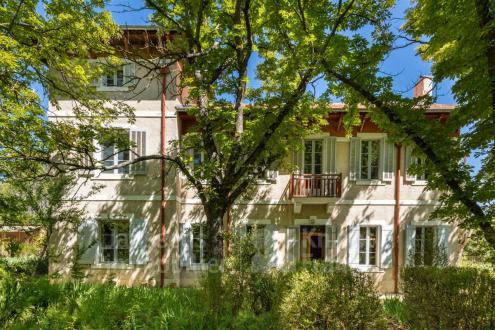 Luxus-Farm zu verkaufen GRAMBOIS, 319 m², 12 Schlafzimmer, 1219000€