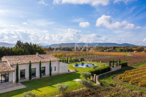 Дом класса люкс на продажу  Кюкюрон, 450 м², 4 Спальни, 2850000€