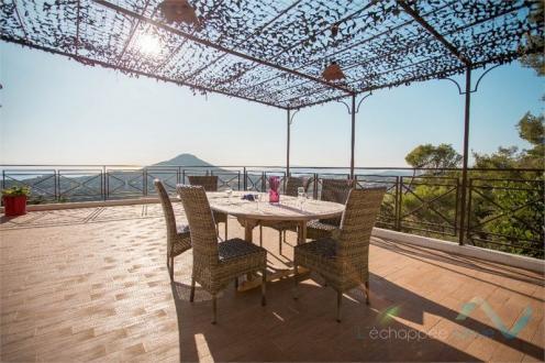 Villa de luxe à vendre CARQUEIRANNE, 260 m², 4 Chambres, 1795000€