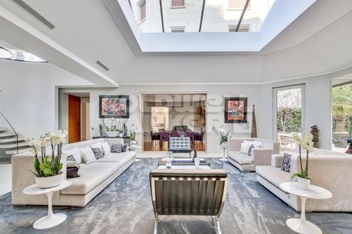 Hôtel particulier de luxe à vendre PARIS 16E, 424 m², 3 Chambres, 10500000€