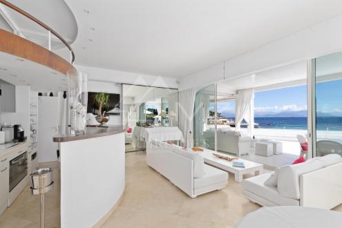 Maison de luxe à louer CAP D'ANTIBES, 150 m², 4 Chambres,