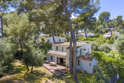 Luxus-Villa zu verkaufen CAP D'ANTIBES, 260 m², 5 Schlafzimmer, 2500000€