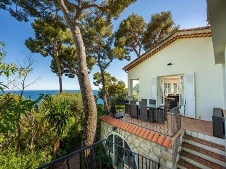 Luxury House for sale EZE, 160 m², 4 Bedrooms, € 2 775 000