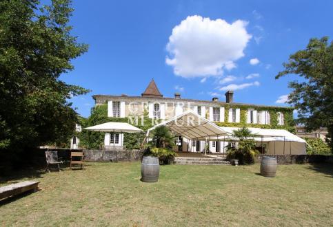 Castello/Maniero di lusso in vendita BORDEAUX, 1094 m², 18 Camere, 2234000€
