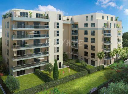 Квартира класса люкс на продажу  Жюан-Ле-Пен, 82 м², 535000€
