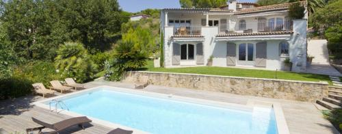 Luxury House for rent LE CANNET, 325 m², 5 Bedrooms,