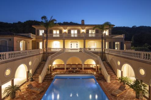 Maison de luxe à louer SAINT TROPEZ, 350 m², 8 Chambres,