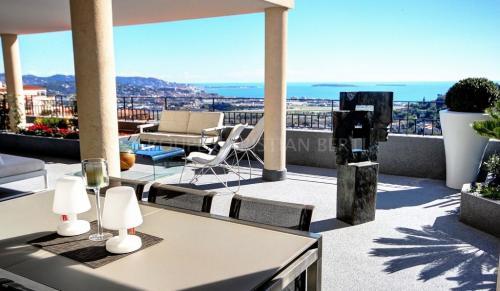 Luxus-Wohnung zu verkaufen MANDELIEU LA NAPOULE, 160 m², 3 Schlafzimmer, 1390000€