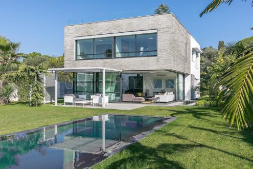 Villa de luxe à vendre CAP D'ANTIBES, 318 m², 5 Chambres, 4900000€