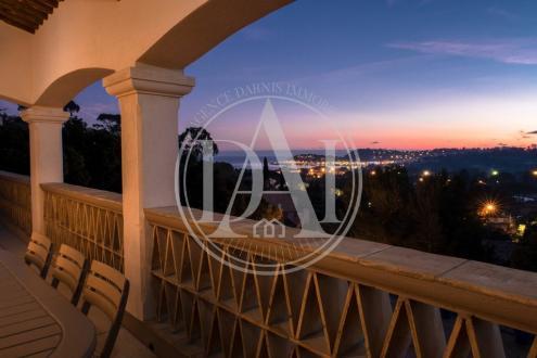 Luxus-Villa zu verkaufen CAVALAIRE SUR MER, 346 m², 1890000€
