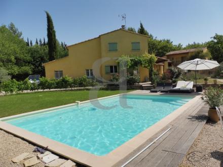 Maison de luxe à vendre VENASQUE, 276 m², 6 Chambres, 850000€