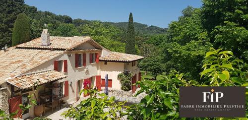 Поместье класса люкс на продажу  Экс-Ан-Прованс, 340 м², 4 Спальни, 3200000€