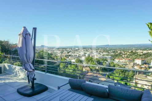 Вилла класса люкс на продажу  Сен-Рафаэль, 215 м², 4 Спальни, 1350000€