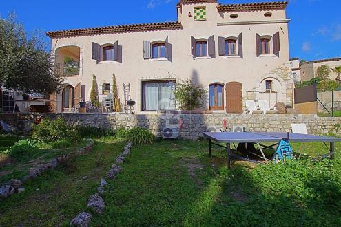Maison de luxe à vendre MOUGINS, 230 m², 827000€