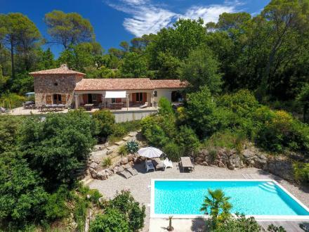 Luxus-Villa zu verkaufen LORGUES, 162 m², 4 Schlafzimmer, 675000€