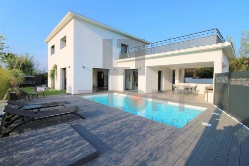Luxus-Villa zu verkaufen SAINT AYGULF, 234 m², 5 Schlafzimmer, 1250000€