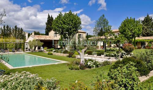 Casa di lusso in affito PARADOU, 600 m², 7 Camere,