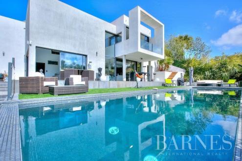 Luxus-Haus zu vermieten LA ROQUETTE SUR SIAGNE, 200 m², 3 Schlafzimmer,