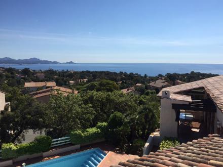 Villa de luxe à vendre SAINT AYGULF, 180 m², 4 Chambres, 940000€