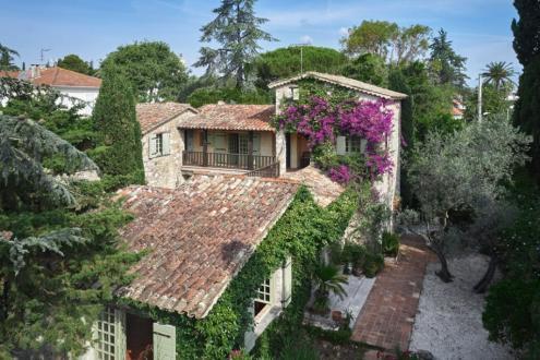 Casa di lusso in vendita ANTIBES, 350 m², 9 Camere, 3500000€