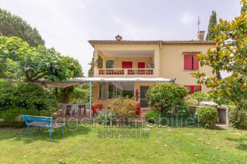 Villa de luxe à vendre SAINT TROPEZ, 248 m², 6 Chambres, 2968000€