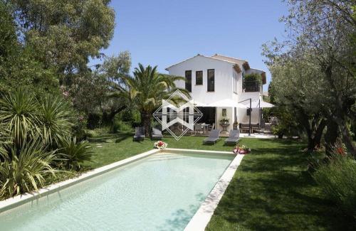Дом класса люкс в аренду Сен-Тропе, 480 м², 5 Спальни,