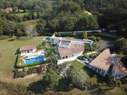 Luxus-Haus zu verkaufen BIDART, 465 m², 8 Schlafzimmer, 3750000€