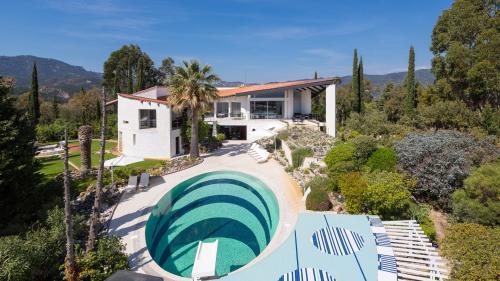 Luxus-Haus zu verkaufen MANDELIEU LA NAPOULE, 475 m², 5 Schlafzimmer, 3900000€