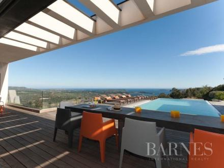 Дом класса люкс на продажу  Порто-Веккио, 253 м², 4 Спальни, 2995000€