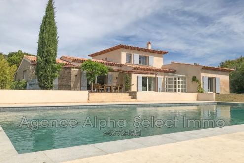 Villa de luxe à vendre GRIMAUD, 205 m², 4 Chambres, 1300000€