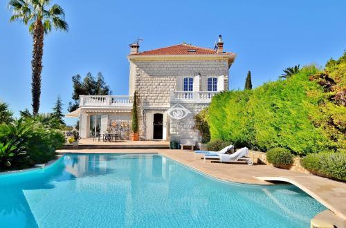 Villa de luxe à vendre VENCE, 250 m², 4 Chambres, 1495000€