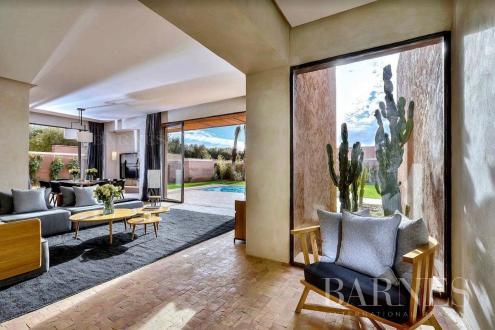 Дом класса люкс на продажу  Марракеш, 1002 м², 620000€