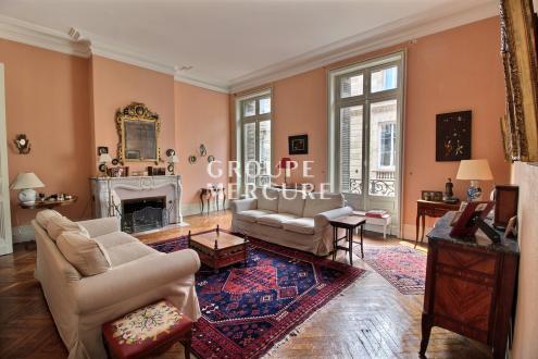 Appartamento di lusso in vendita BORDEAUX, 207 m², 3 Camere, 1190000€