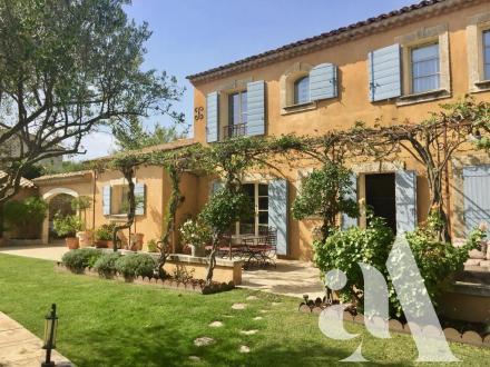 Maison de luxe à vendre EYGALIERES, 237 m², 4 Chambres, 1450000€