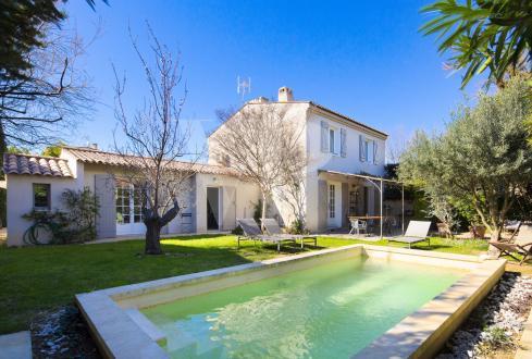 Luxus-Haus zu verkaufen MAUSSANE LES ALPILLES, 145 m², 4 Schlafzimmer, 735000€