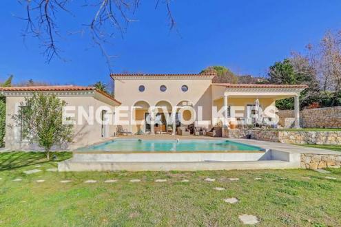 Villa de luxe à vendre CHATEAUNEUF DE GRASSE, 190 m², 3 Chambres, 1522000€