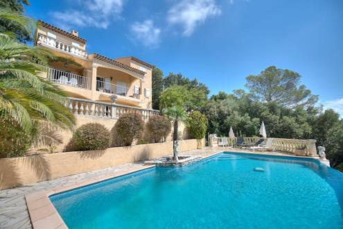 Casa di lusso in vendita SAINT RAPHAEL, 216 m², 5 Camere, 875000€