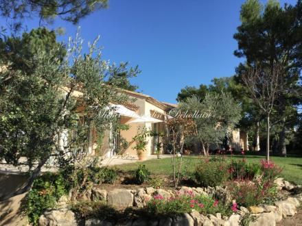 Villa de luxe à vendre VILLENEUVE LES AVIGNON, 232 m², 5 Chambres, 965000€