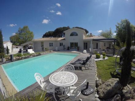 Maison de luxe à vendre LIBOURNE, 260 m², 5 Chambres, 728000€