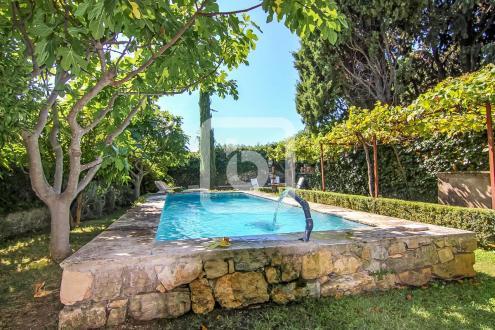 Propriété de luxe à vendre OPIO, 370 m², 6 Chambres, 1750000€