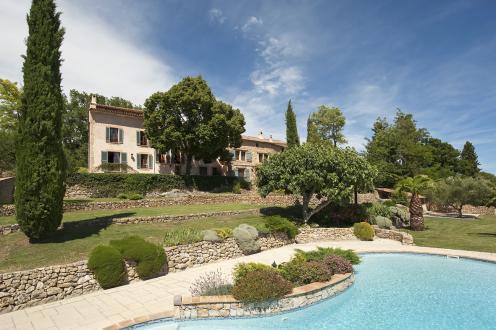 Luxus-Farm zu verkaufen LORGUES, 795 m², 10 Schlafzimmer, 3950000€