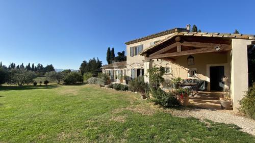 Luxury House for sale EYGALIERES, 130 m², 3 Bedrooms, € 1 060 000