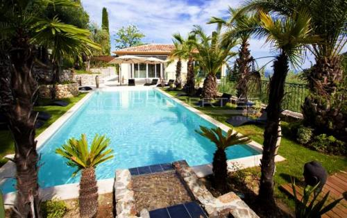 Luxus-Villa zu verkaufen GRASSE, 400 m², 6 Schlafzimmer