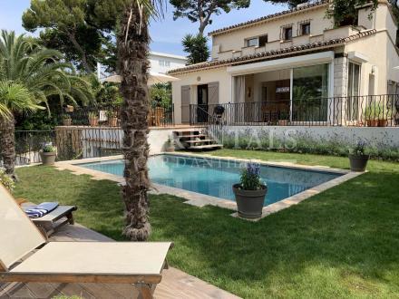 Вилла класса люкс в аренду Кап д'Антиб, 170 м², 3 Спальни, 3000€/месяц