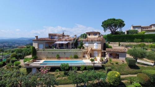 Villa de luxe à vendre LA ROQUETTE SUR SIAGNE, 253 m², 5 Chambres, 1580000€