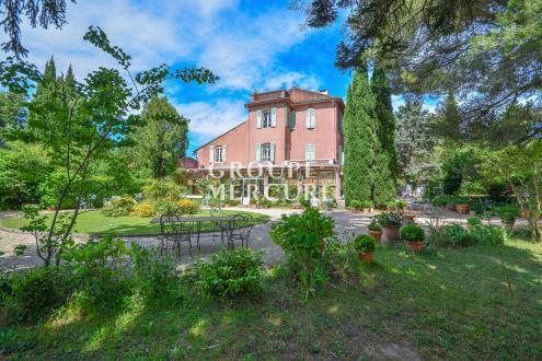 Maison de luxe à vendre EYGALIERES, 800 m², 9 Chambres, 1595000€