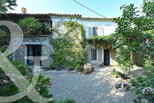 Luxus-Haus zu verkaufen ARLES, 212 m², 4 Schlafzimmer, 870000€