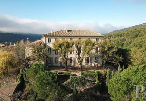 Château / Manoir de luxe à vendre APT, 700 m², 7 Chambres, 2500000€