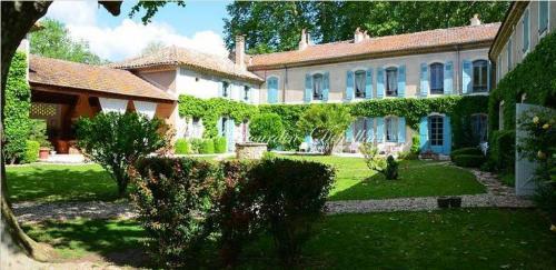 Propriété de luxe à vendre PONT SAINT ESPRIT, 1000 m², 18 Chambres, 980000€